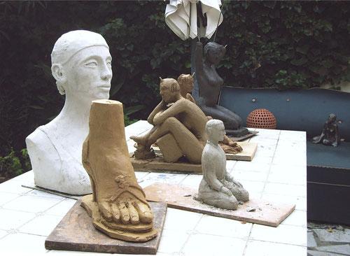 sculptures argile femme nue,nus artistiques, sculpture art    nus artistiques  sculptures de nus féminin  sculptures et peintures de nus érotiques et sensuels  sculpture pied