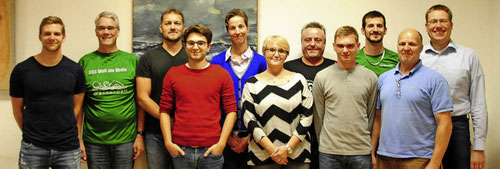 Tobias Brodda (links) führt die Schwimmsportgemeinschaft mit einem engagierten Team, dessen Arbeit offenbar Früchte trägt. (Foto: Sedlak)