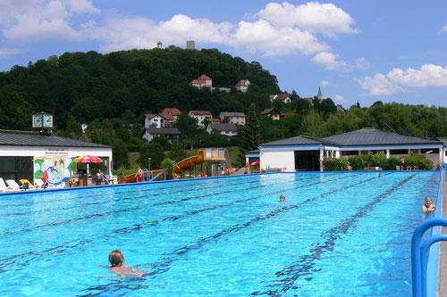 Das 50 m lange Schwimmerbecken
