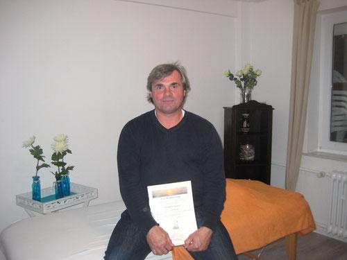 Christjan Cramer (Wangerooge) nach der erfolgreichen Einweihung durch die Wangerooger Reiki-Meisterin Elke Ries