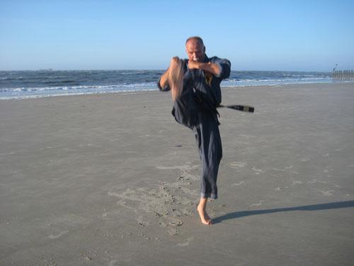 QiGOng + Selbstverteidigung + Karate = Kenko Kempo Karate!