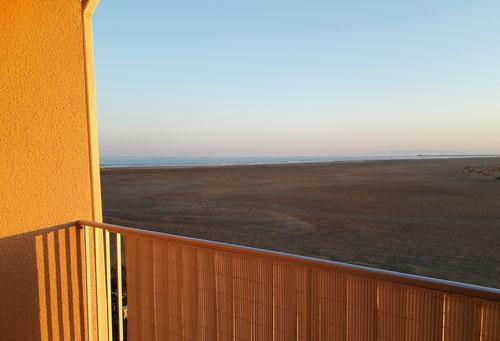 Ferienwohnung in Gruissan Les Ayguades - Meerblick vom Balkon - Abendsonne