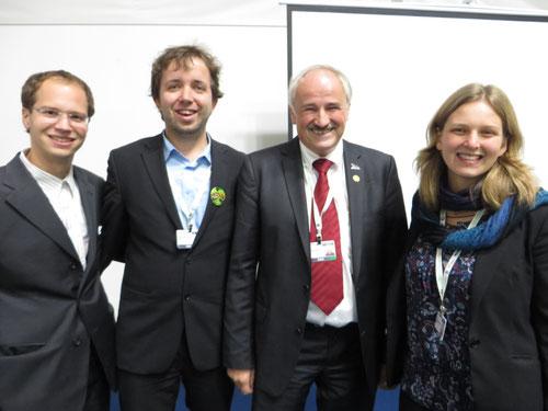 Alex. Marco und Svana mit NABU-Präsident Olaf Tschimpke