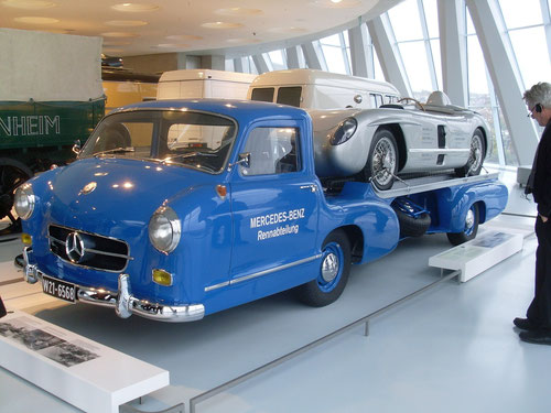 Der MERCEDES-BENZ Renntransporter.