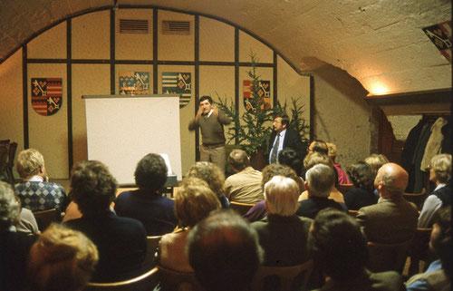Erich Reisinger mit Gert Raschig bei einem Vortrag