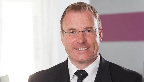 Sven Nesbit - Rechtanwalt & Bankkaufmann