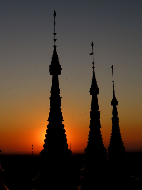 Sonnenuntergang vom Po Khaung Hügel