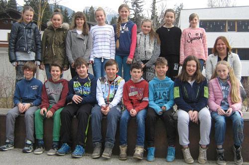 Schülerinnen und Schüler 1 B, Mittelschule Welsberg 2015/16