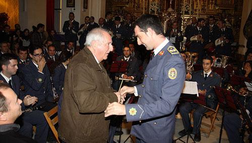 Enrique García con el actual director de la Cruz Roja, José Ignacio Cansino / L. M. J