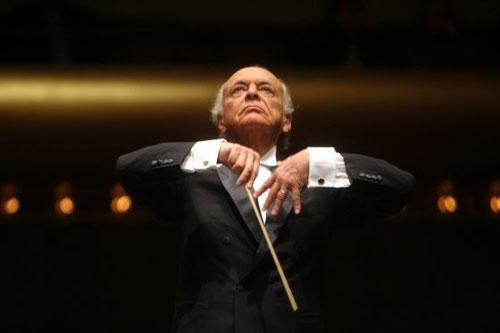 Lorin Maazel, dirigiendo a la Filamórnica de Nueva York. / HIROYUKI ITO (GETTY IMAGES)