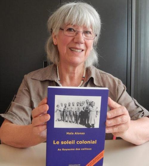 Maïa Alonso avec son nouveau livre qui a reçu le Prix littéraire Terre d'Eghriss-L'Autre rive qui, en 2003, revenait à Guillaume Canet et l'an dernier à Daniel Saint-Hamont./ Photo DDM M. C.