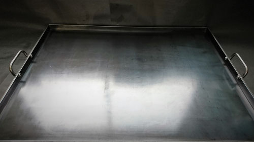 鉄板、オーダー鉄板、注文鉄板、キッチンカー、移動販売車、サイズ、BBQ、キャンプ、溶接、極厚、テイクアウト、パン焼き窯、ピザ、厚み、厚さ