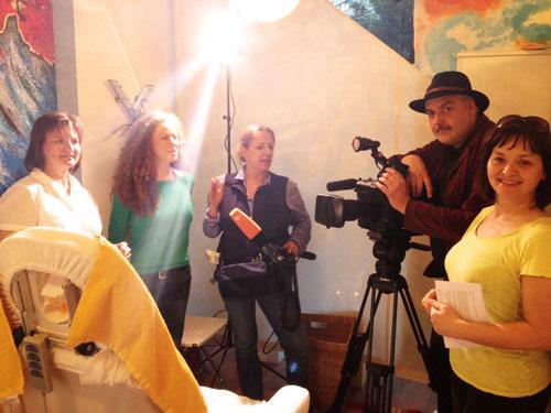 ZDF Moderatorin, Tontechnikerin und Kameramann vom ZDF Morgenmagazin