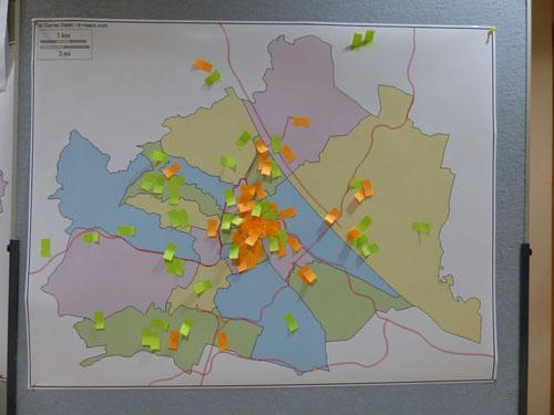 Wohnort: grün; Ort der Arbeitstätigkeit: orange; Foto Martina Schubert