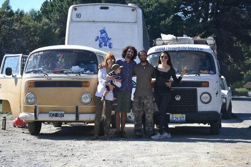 Junto a Agustín, Caroline, Amadeo y su combi Afrodita