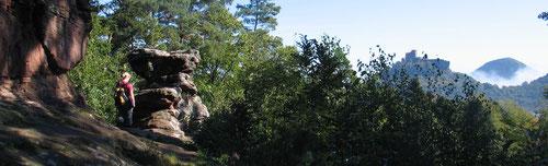Blick vom Asselstein zum Trifels