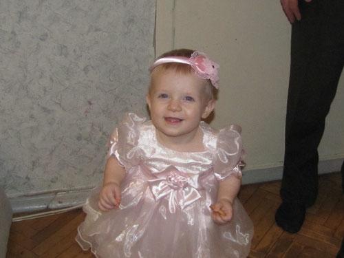А вот и один из первых бантов Маленькой принцессы, Лизоньки