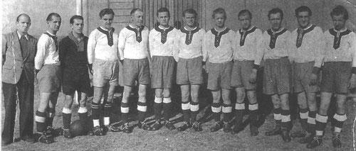 SG BW Brachstedt im Jahr 1955: H. Bräsicke, O. Rappsilber, H. Trauzettel, H. Regenbogen, K. Bergmann, H. Hermann, R. Rathmann, H. Ronniger, P. Krüger, H. Rappsilber