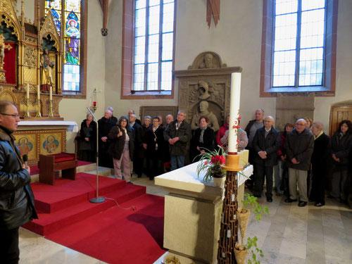 Karl Banghard (links i.B.)     Vorstellung des Sickinger Kirchenführers