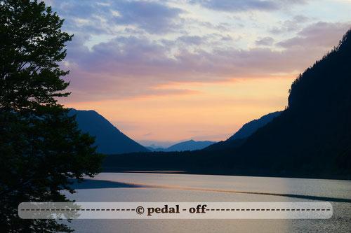 Wasser See Fluss fließend Natur Outdoor Naturfotographie sylvenstein sonnenuntergang