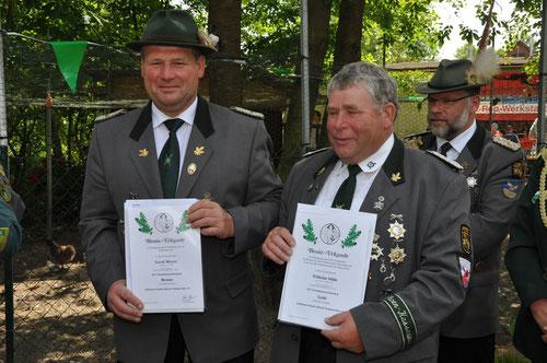 v.l.: Gerd Meyer (VA in Bronze), Wilhelm Söhle (VA in Gold), dahinter Präsident Andreas Günther. Foto J. Bauer