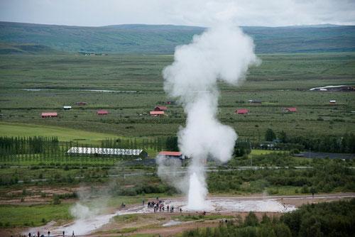 Site de Geysir - éruption de Strokkur -Islande - 14/07/2015