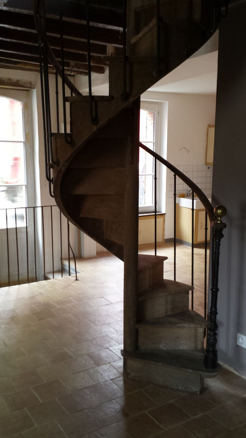 Vente et installation escaliers anciens (photo)