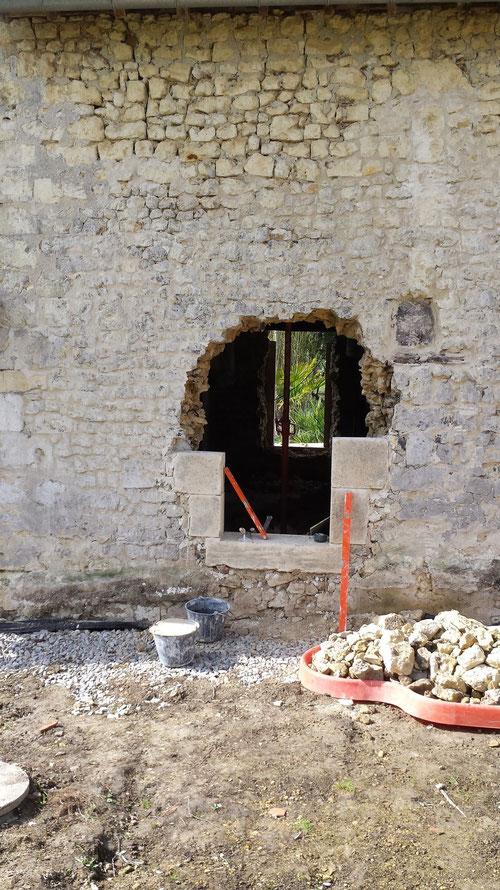 Montage maçonnerie de pierres taillées