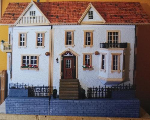mein selbstgebautes viktorianisches Puppenhaus