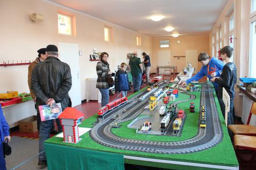 Hatten wir so auch noch nicht: Eine Lego-Eisenbahn