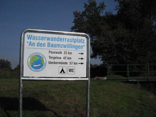 Beschilderung des Wasserrastplatzes Prenzlau ..... aufgestellt von SOLARIS