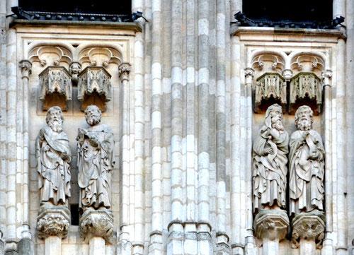 Les 4 prophètes au sommet de la tour Nord