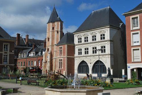 La Maison du Sagittaire, près du Logis du Roy