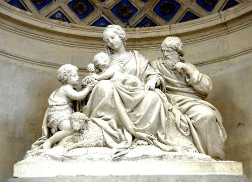 Groupe de pierre: la Sainte Famille avec Saint-Jean Baptiste