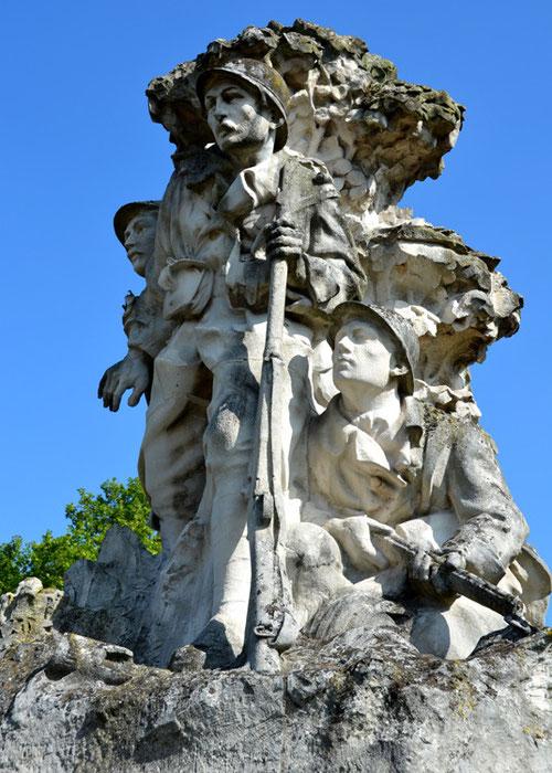 Le Monument aux Morts d'Abbeville: les Patrouilleurs