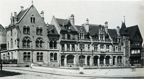 Le parvis de la Cathédrale entre les deux guerres- Ph: BM Amiens