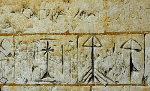 Sur les murs de l'église d'Hautvillers