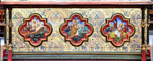 Le coffre de l'autel dans le choeur de la Collégiale