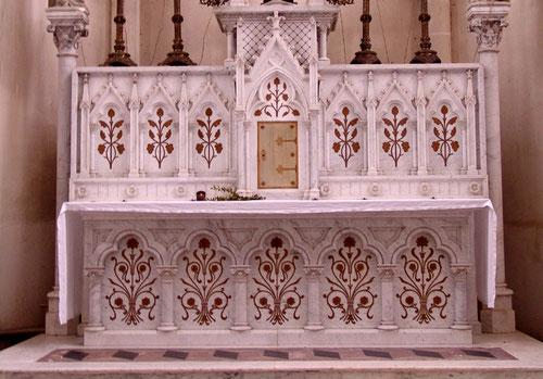 Autel de l'église de Terramesnil