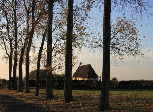 Chapelle du cimetière de Bovelles- Ph: Christiane Sellez