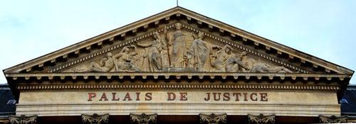 Le fronton du Palais de Justice: le Châtiment