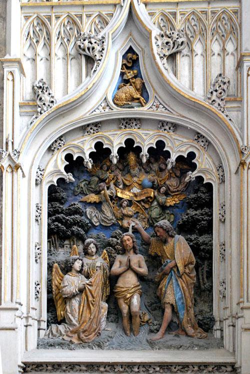 L'ensemble du bas-relief du baptême de Saint-Jean-Baptiste