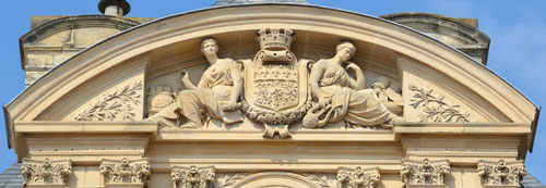 Hôtel de Ville- Amiens- Fronton de l'aile gauche- Oeuvre d'Anathase Fossé