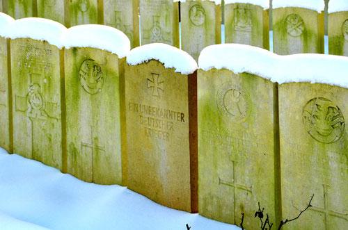 Au cimetière militaire de Doullens