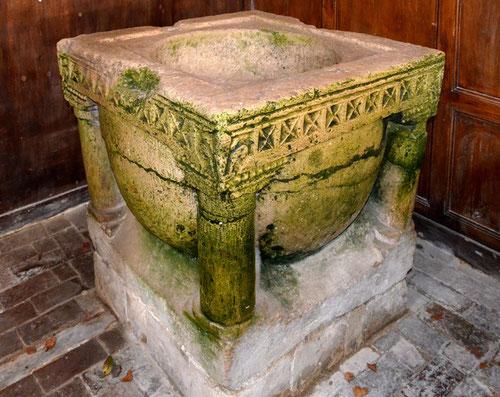 Fonts baptismaux de l'église de Prouzel