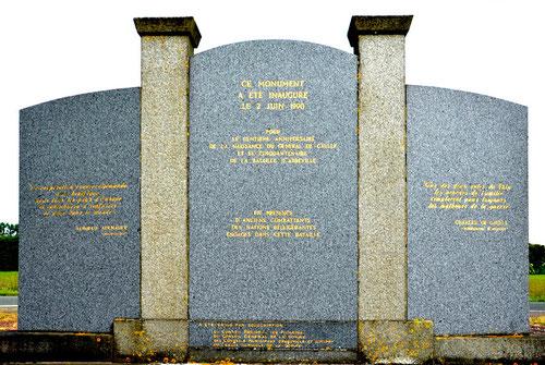 Le monument de la Paix à Huppy