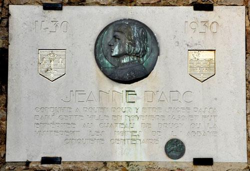 Plaque commémorative apposée sur le Beffroi du 5e centenaire du passage de Jeanne d'Arc à St-Riquier