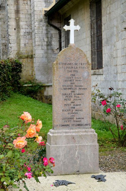 Le monument aux morts de Fieffes
