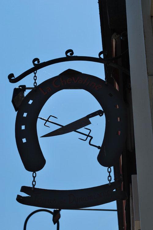 Enseigne de Boucherie chevaline à Ham