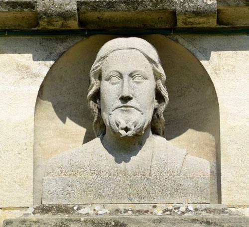 Tympan de l'église de Cartigny sur un dessin de Pierre Ansart